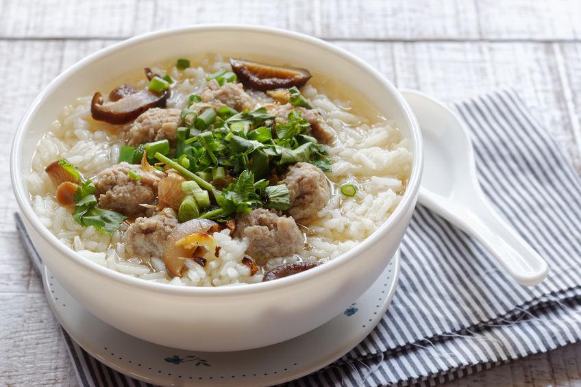 Sopa De Arroz Tailandês Com Carne De Porco